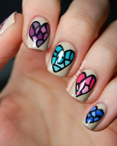 stained-glass-heart-nail-art-1