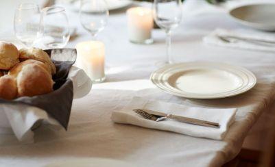 fc93257197fa2491147b94b704a79da9-bella-casa-linen-table-napkins-7698bcf3949b453aeab3d84bbf2991fb